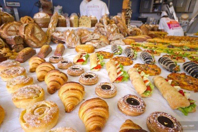 ¿que diferencia hay entre panadería y pastelería?